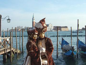http://historicaldesign.com/wp-content/uploads/2014/11/Carnevale-di-Venezia-20100212.jpg