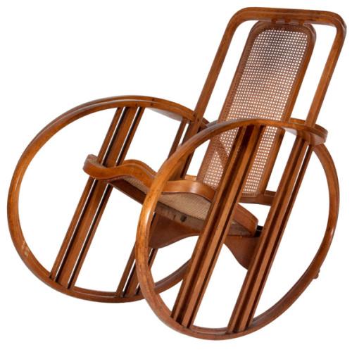 Historical Design I Antonio Volpe, Josef Hoffmann Egg rocking chair