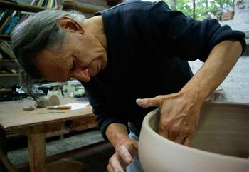 http://historicaldesign.com/wp-content/uploads/2014/12/Ceramics-by-Gustavo-Perez-image21.jpg