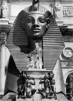 http://historicaldesign.com/wp-content/uploads/2015/02/012-cleopatra-theredlist-theredlist.jpg