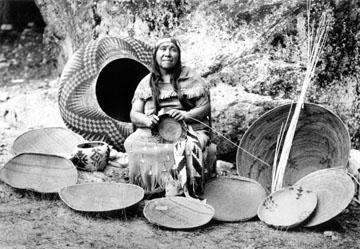 http://historicaldesign.com/wp-content/uploads/2015/02/1.-Indian-basket-pairing.jpg