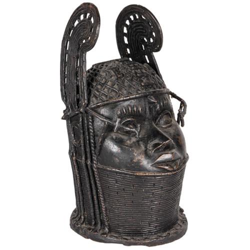 Nigeria, Benin King Oba bronze standing figure