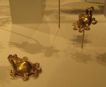 http://historicaldesign.com/wp-content/uploads/2015/03/2-NP-gold-Peruvian-turtles.jpg