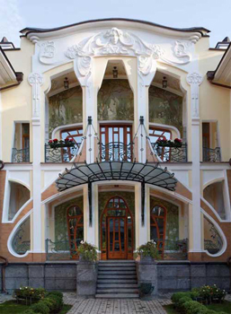 http://historicaldesign.com/wp-content/uploads/2015/03/Art-Nouveau-Architecture-Exterior-Views-Image-454.jpg