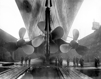 http://historicaldesign.com/wp-content/uploads/2015/03/Titanics_propellers.jpg