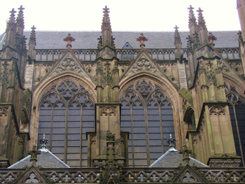 http://historicaldesign.com/wp-content/uploads/2015/09/Gothic-Cathedral-copy.jpg